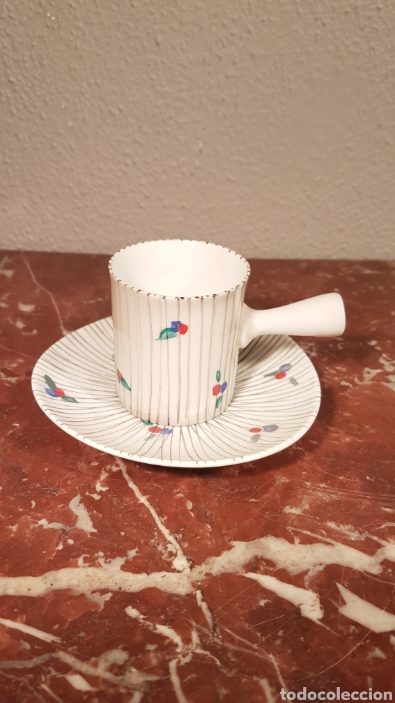 TAZA DE CAFE Y PLATO DE CASTRO SARGADELOS DOLMEN. AÑOS 70 (Antigüedades - Porcelanas y Cerámicas - Sargadelos)