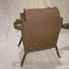 Antigüedades: TOSTADOR CAFE O CASTAÑAS ANTIGUO ORIGINAL. Lote 152078998