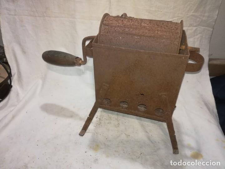 Antigüedades: TOSTADOR CAFE O CASTAÑAS ANTIGUO ORIGINAL - Foto 2 - 152078998