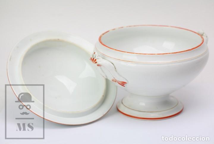 Antigüedades: Antigua Sopera de Cerámica Vidriada Opaque Lunéville - Finales Siglo XIX - Blanco y Naranja - #E01 - Foto 7 - 152135646