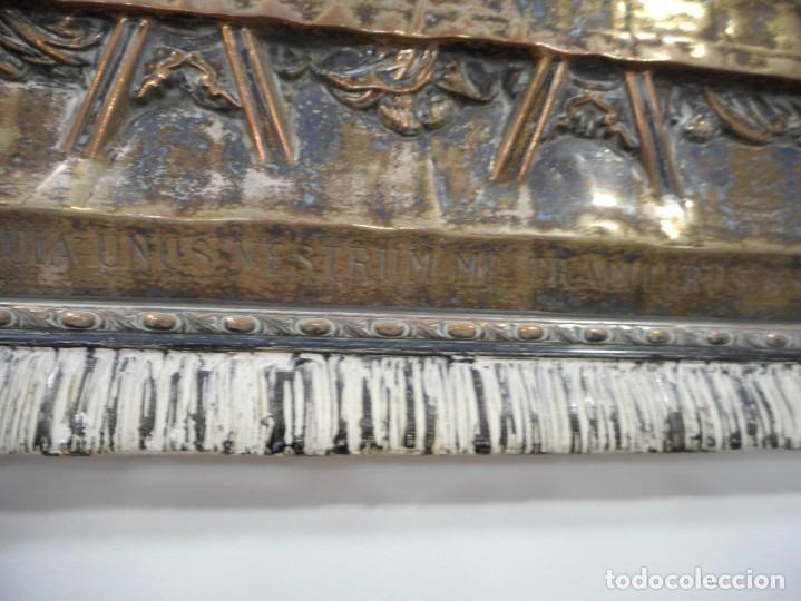 Antigüedades: Cuadro de Santa Cena de relieve en placa metálica - Foto 5 - 152137590