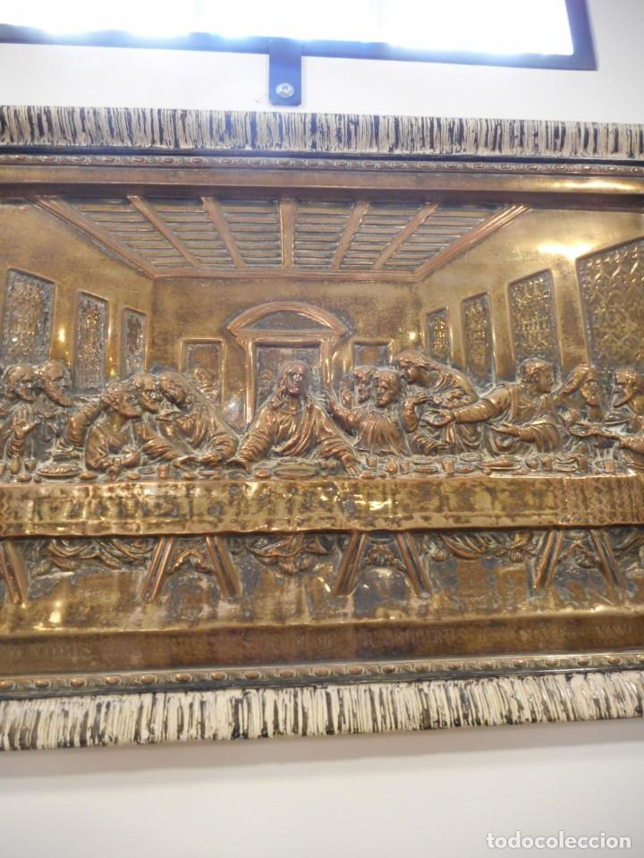 Antigüedades: Cuadro de Santa Cena de relieve en placa metálica - Foto 8 - 152137590