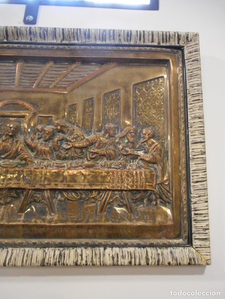 Antigüedades: Cuadro de Santa Cena de relieve en placa metálica - Foto 9 - 152137590