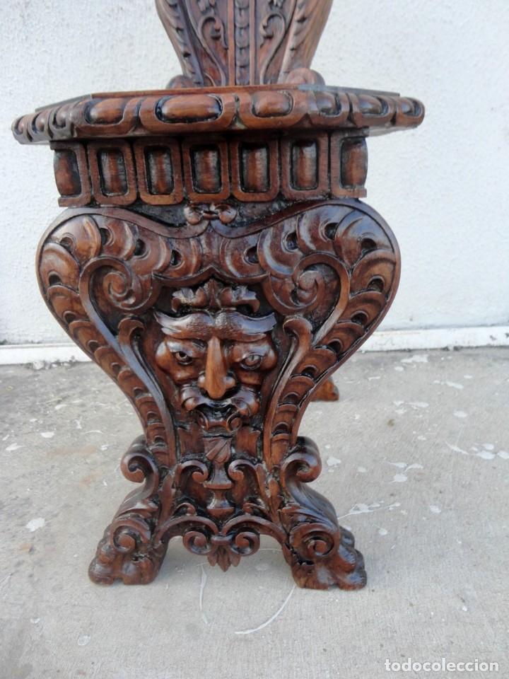 Antigüedades: Pareja de sillas antiguas talladas con cariatides - Foto 4 - 152178598