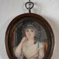 Antigüedades: MINIATURA PINTADA SOBRE MARFIL. RETRATO DE DAMA DE FINALES DEL SIGLO XVIII. Lote 152199326