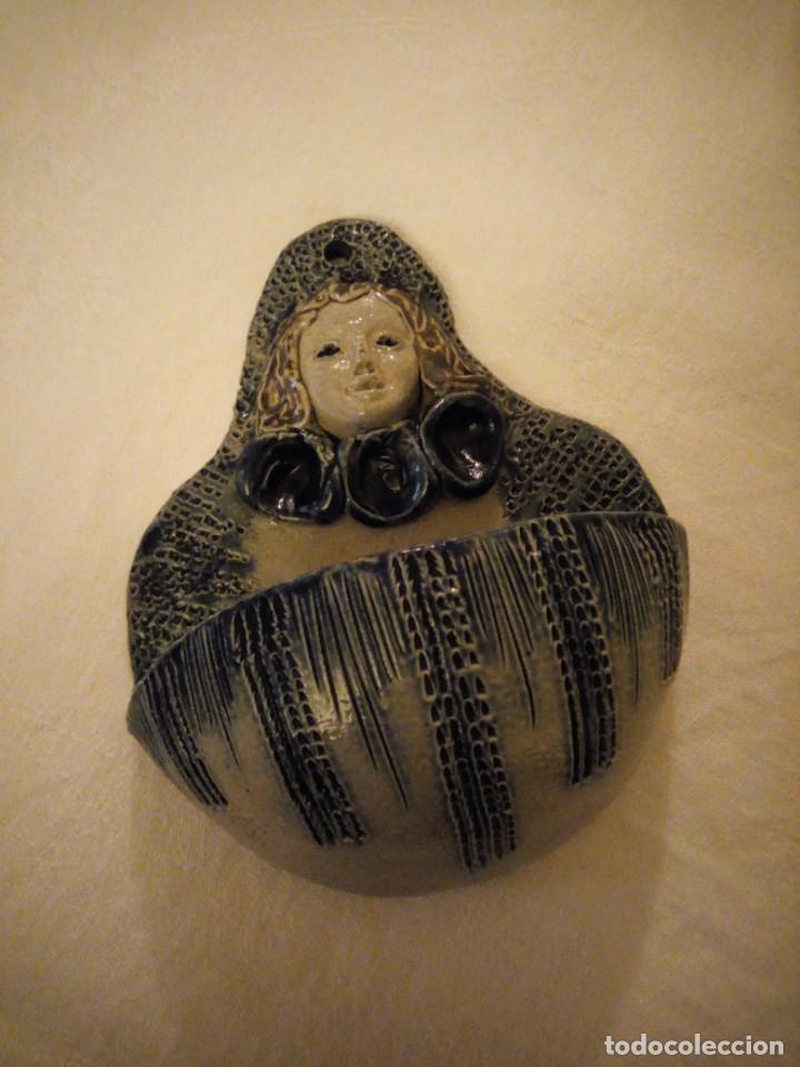 Antigüedades: Antigua benditera de ceramica remmi y mm beticholaf - Foto 2 - 173962790