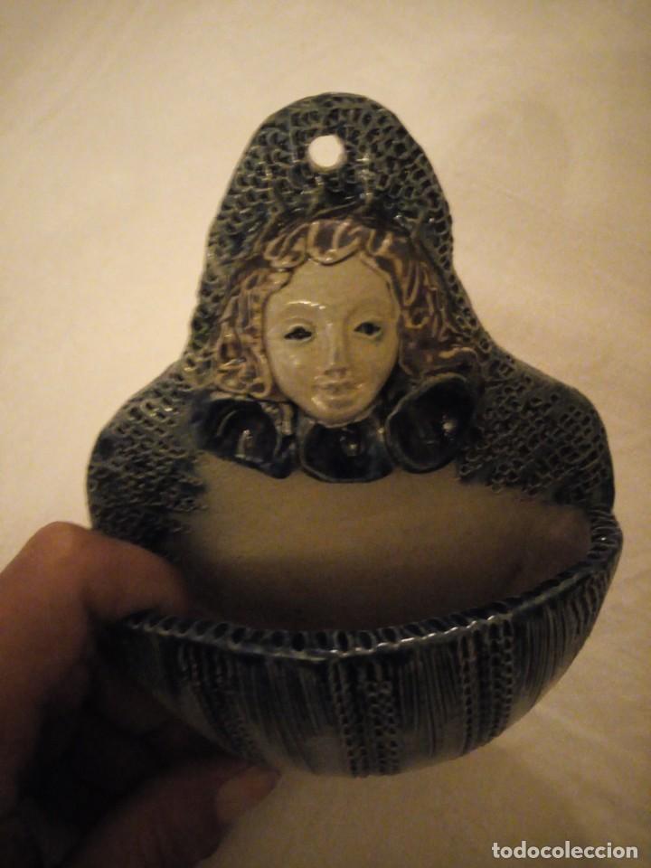 Antigüedades: Antigua benditera de ceramica remmi y mm beticholaf - Foto 3 - 173962790