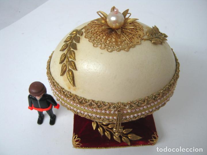 Antigüedades: Caja joyero estuche tipo Faberge - Gran huevo de avestruz autentico con aplicaciones - Foto 2 - 152218766