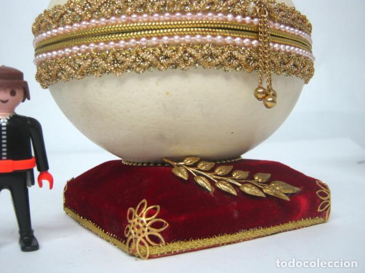 Antigüedades: Caja joyero estuche tipo Faberge - Gran huevo de avestruz autentico con aplicaciones - Foto 4 - 152218766