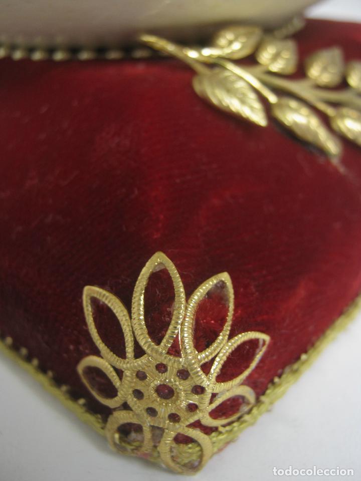 Antigüedades: Caja joyero estuche tipo Faberge - Gran huevo de avestruz autentico con aplicaciones - Foto 5 - 152218766