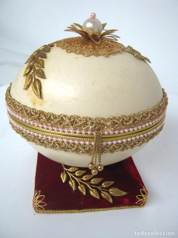 Antigüedades: Caja joyero estuche tipo Faberge - Gran huevo de avestruz autentico con aplicaciones - Foto 8 - 152218766