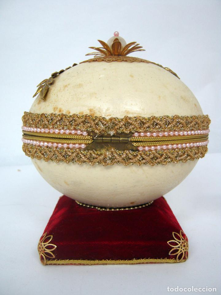 Antigüedades: Caja joyero estuche tipo Faberge - Gran huevo de avestruz autentico con aplicaciones - Foto 9 - 152218766