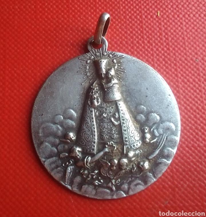 MEDALLA RELIGIOSA ANTIGUA NUESTRA SEÑORA DE LOS DESAMPARADOS / 30 X 33 MM (Antigüedades - Religiosas - Medallas Antiguas)