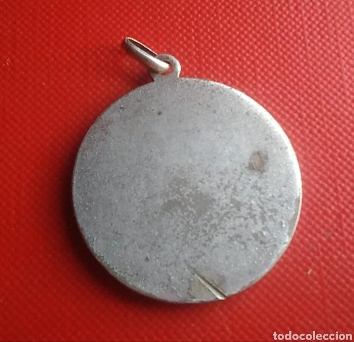 Antigüedades: Medalla religiosa antigua nuestra señora de los desamparados / 30 x 33 mm - Foto 2 - 152222756