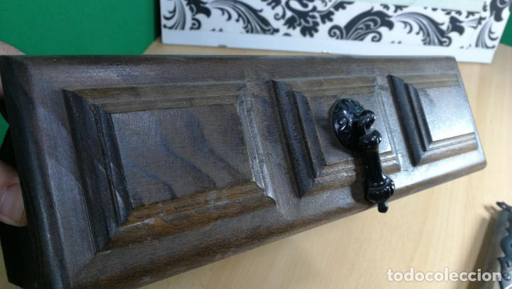 Antigüedades: Cajón, herrajes y puerta de madera para mueble antiguo - Foto 6 - 152230046