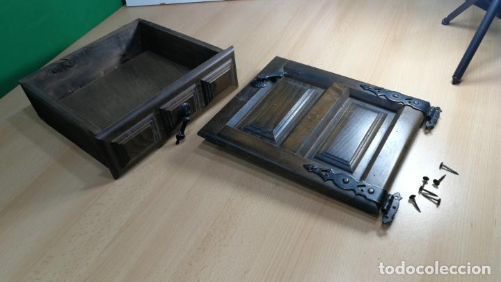 Antigüedades: Cajón, herrajes y puerta de madera para mueble antiguo - Foto 15 - 152230046