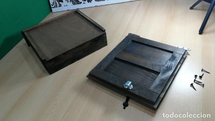 Antigüedades: Cajón, herrajes y puerta de madera para mueble antiguo - Foto 16 - 152230046