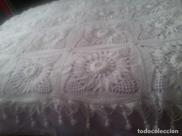 Antigüedades: PRECIOSA COLCHA DE GANCHILLO-TODO MANUAL-CAMA DE 90-BLANCA - Foto 10 - 152307382