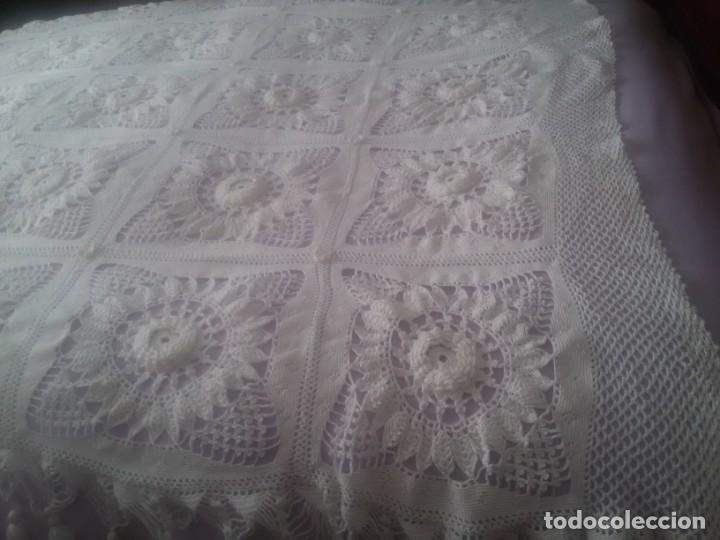 Antigüedades: PRECIOSA COLCHA DE GANCHILLO-TODO MANUAL-CAMA DE 90-BLANCA - Foto 15 - 152307382