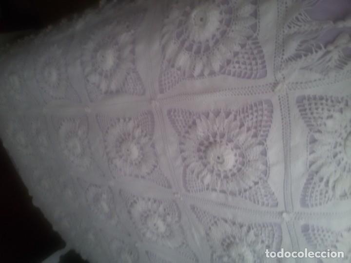 Antigüedades: PRECIOSA COLCHA DE GANCHILLO-TODO MANUAL-CAMA DE 90-BLANCA - Foto 23 - 152307382