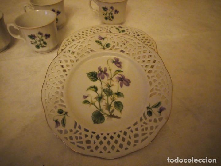 Antigüedades: Lote de 4 platos calados de postre y 4 tazas de café o té de porcelana svaneholm 1530,suecia. - Foto 2 - 152372334
