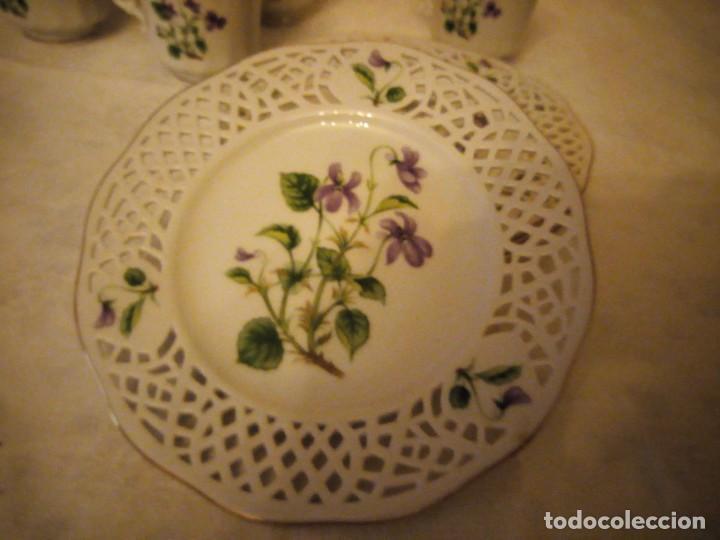 Antigüedades: Lote de 4 platos calados de postre y 4 tazas de café o té de porcelana svaneholm 1530,suecia. - Foto 4 - 152372334