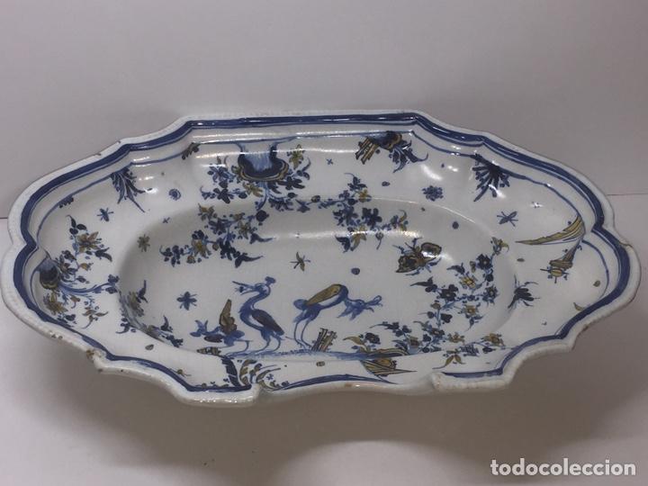 Antigüedades: Bacía de Barbero cerámica de Alcora siglo XVIII Pieza de Museo - Foto 3 - 152404190