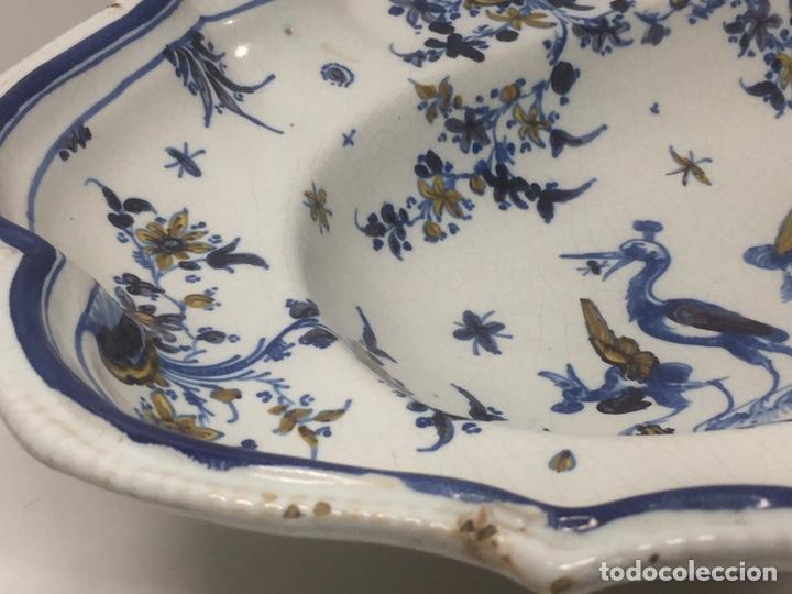 Antigüedades: Bacía de Barbero cerámica de Alcora siglo XVIII Pieza de Museo - Foto 4 - 152404190