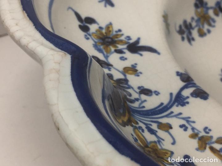 Antigüedades: Bacía de Barbero cerámica de Alcora siglo XVIII Pieza de Museo - Foto 6 - 152404190