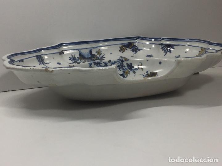 Antigüedades: Bacía de Barbero cerámica de Alcora siglo XVIII Pieza de Museo - Foto 12 - 152404190