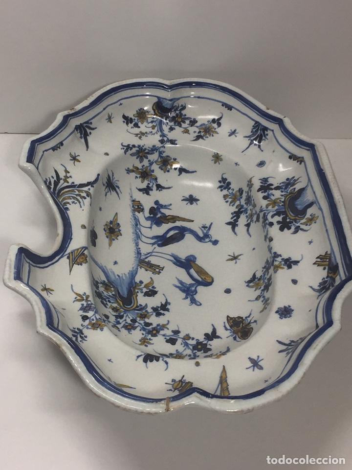 Antigüedades: Bacía de Barbero cerámica de Alcora siglo XVIII Pieza de Museo - Foto 13 - 152404190