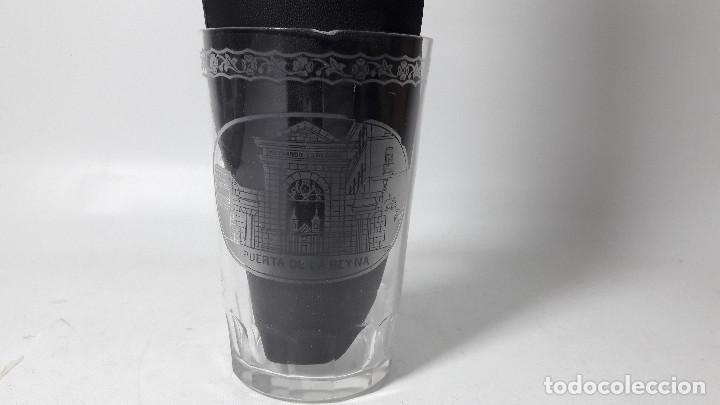 ANTIGUO VASO GRABADO RECUERDO DE LA GRANJA PUERTA DE LA REINA, NOMBRE VICENTE, MED. 6X9 CM. (Antigüedades - Cristal y Vidrio - Santa Lucía de Cartagena)