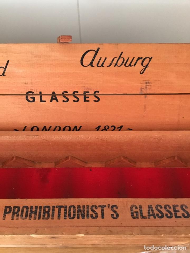 Antigüedades: Coleccion de Vasos antiguos de whisky en caja Madera - Foto 2 - 152471220