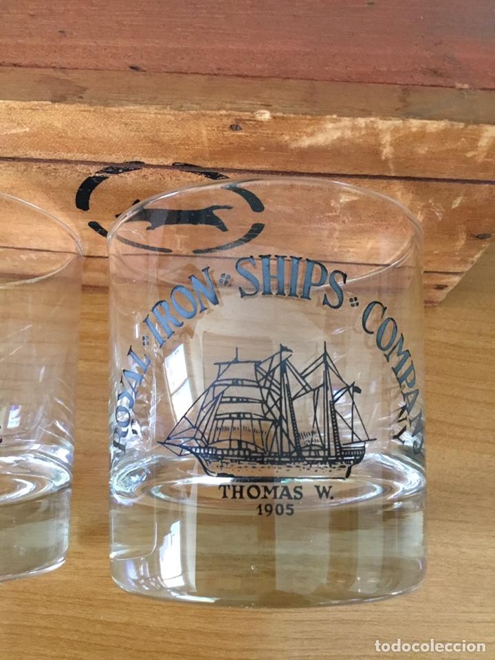 Antigüedades: Coleccion de Vasos antiguos de whisky en caja Madera - Foto 3 - 152471220