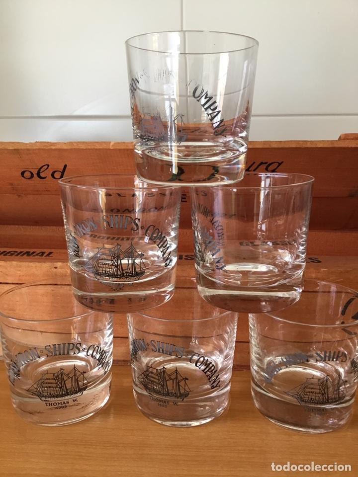 Antigüedades: Coleccion de Vasos antiguos de whisky en caja Madera - Foto 5 - 152471220