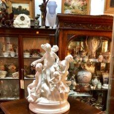 Antigüedades: GRUPO DE PORCELANA BLANDA DE BISCUIT ALCORA. Lote 152476090