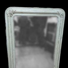 Antigüedades: ESPECTACULAR ESPEJO DE MADERA DE PINO ISABELINO, PINTADO AL ESTILO GUSTAVIANO. 143X97 CM. Lote 151661266