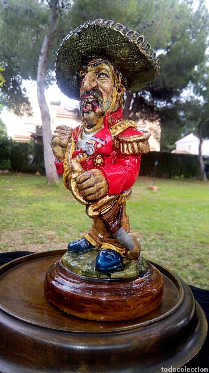 Antigüedades: Antigua figura en terracota. Emiliano Zapata general mejicano. Manises. Vintage. - Foto 3 - 152547190