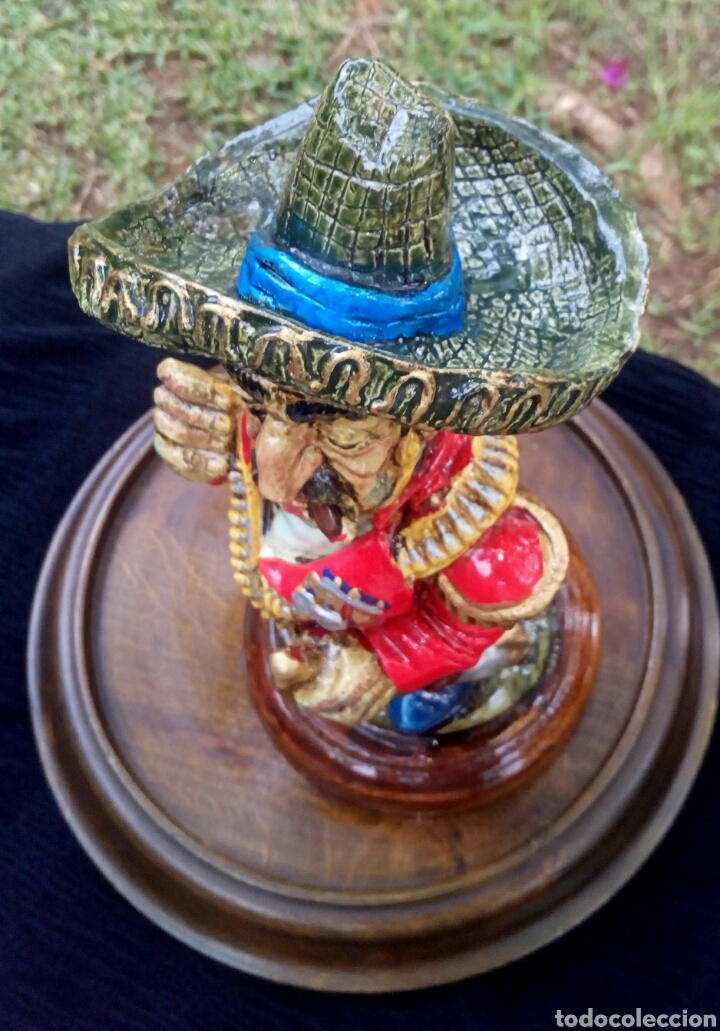 Antigüedades: Antigua figura en terracota. Emiliano Zapata general mejicano. Manises. Vintage. - Foto 5 - 152547190