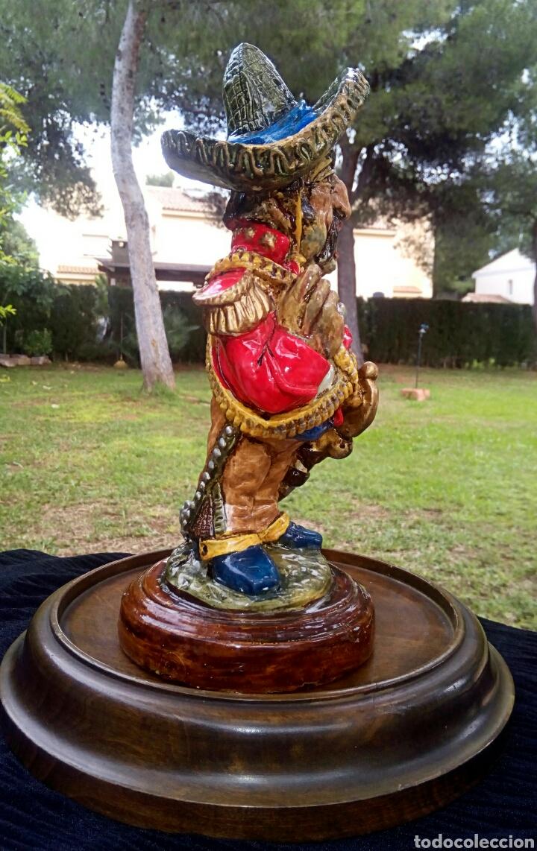 Antigüedades: Antigua figura en terracota. Emiliano Zapata general mejicano. Manises. Vintage. - Foto 6 - 152547190