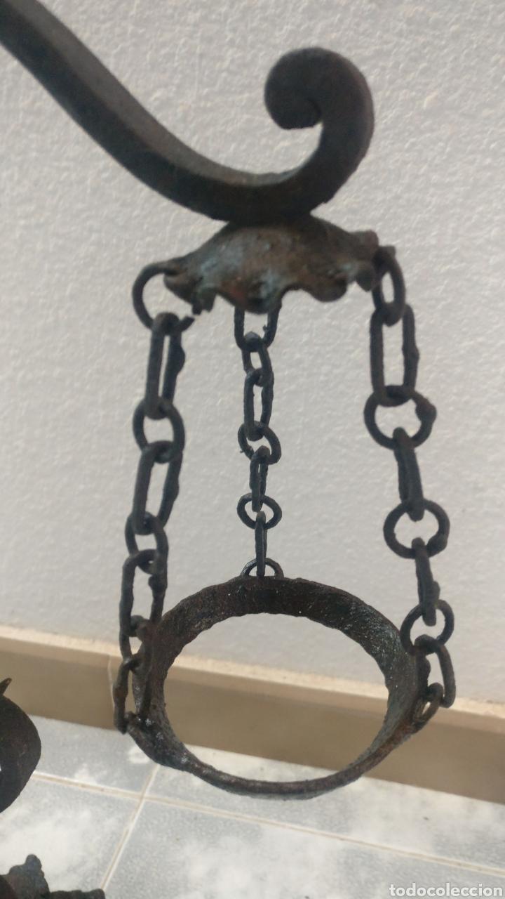 Antigüedades: Bonito y antiguo candelabro incensario estilo balanza de forja. - Foto 2 - 152552310