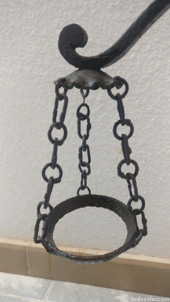 Antigüedades: Bonito y antiguo candelabro incensario estilo balanza de forja. - Foto 3 - 152552310