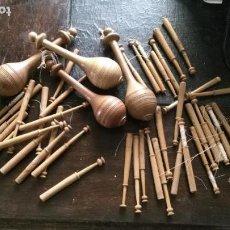 Antigüedades: 40 PIEZAS PALOS REALIZAR ENCAJES DE BOLILLO + 4 GRANDE EN MADERA PARA MUNDILLO DE BOLILLERAS. Lote 152581694