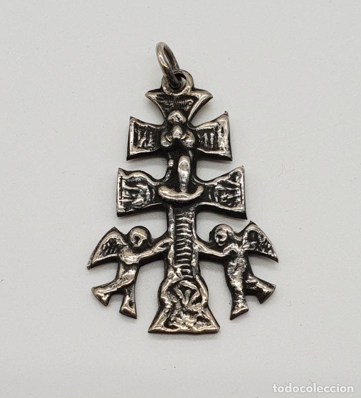 Antigüedades: Antigua Cruz de Caravaca Bifaz, cincelada a mano en plata de ley por sus dos caras . - Foto 6 - 152587022