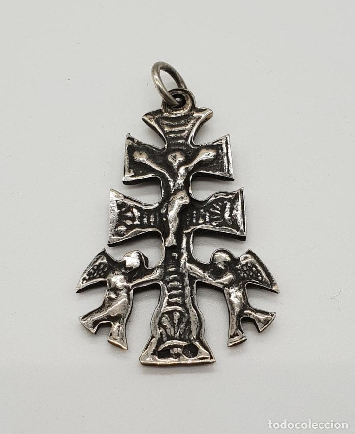 Antigüedades: Antigua Cruz de Caravaca Bifaz, cincelada a mano en plata de ley por sus dos caras . - Foto 3 - 152587022