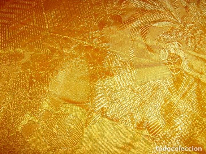 Antigüedades: Colcha antigua tipo seda motivos orientales.Amarilla,ocre. - Foto 6 - 152575618