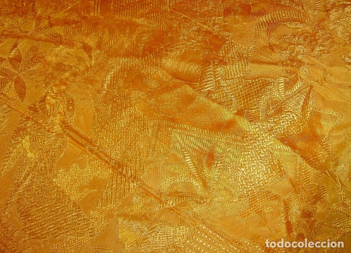 Antigüedades: Colcha antigua tipo seda motivos orientales.Amarilla,ocre. - Foto 7 - 152575618