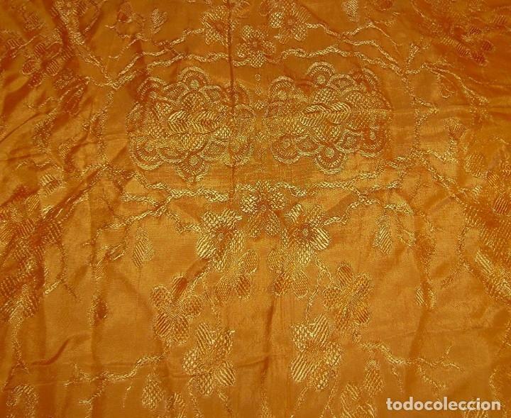 Antigüedades: Colcha antigua tipo seda motivos orientales.Amarilla,ocre. - Foto 8 - 152575618