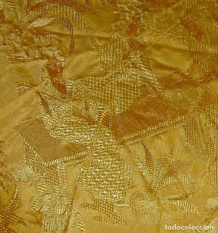 Antigüedades: Colcha antigua tipo seda motivos orientales.Amarilla,ocre. - Foto 9 - 152575618