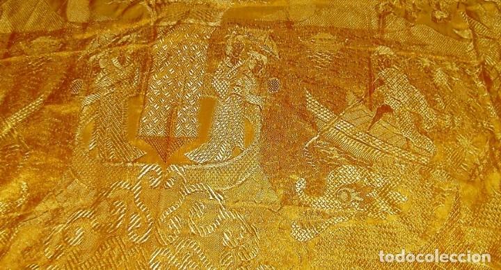 Antigüedades: Colcha antigua tipo seda motivos orientales.Amarilla,ocre. - Foto 10 - 152575618